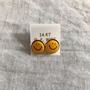 Vintage 1970s Yellow Smiley Face Earrings